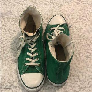 Rarely worn green converse